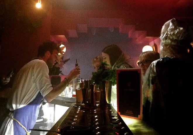 Otvorena kafana u kojoj se napijete iako ne pijete