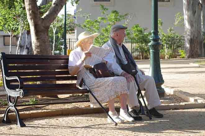 DUŽE NIJE UVEK BOLJE - Dužina trajanja veze nije garancija njene uspešnosti