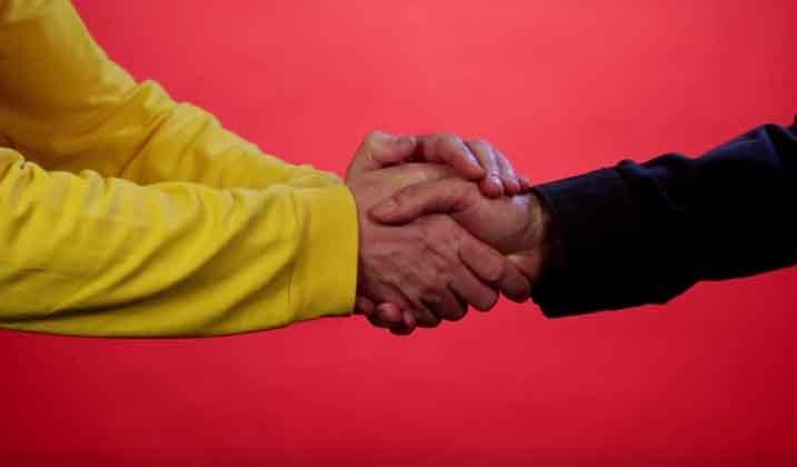 Kako se rukuješ, takav ti je karakter