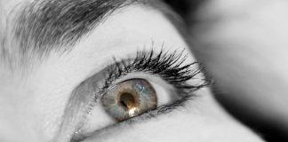 titranje oka,