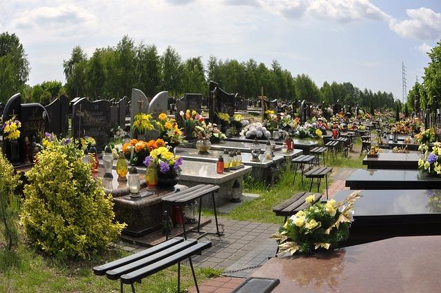 cemetery-18678_640