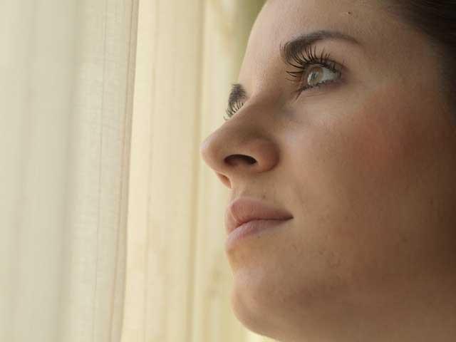 KAD LJUBAV SMORI I UMORI: Evo zašto su žene u vezama depresivne