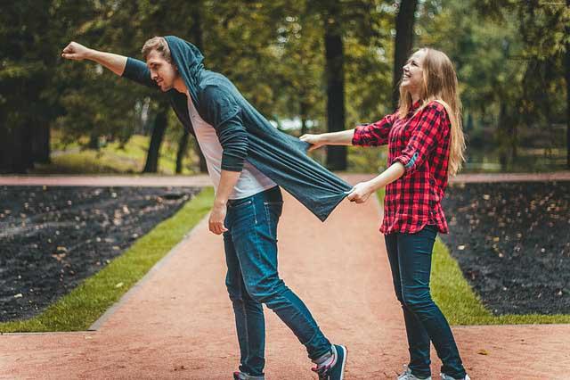 POBEĆI ĆE OD TEBE: Evo šta nikako ne smeš da radiš na početku veze