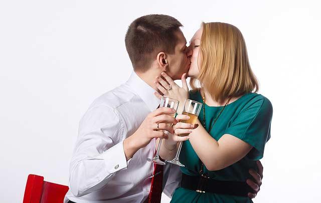 AKO OVO NE RADI, NE VOLI TE: Muškarac će učiniti ovih 5 stvari samo za onu koju voli