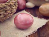 USKRŠNJA JAJA BEZ ŠTETNE HEMIJE: Evo kako se farbaju jaja prirodnim bojama