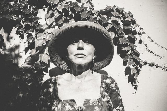 starija zena