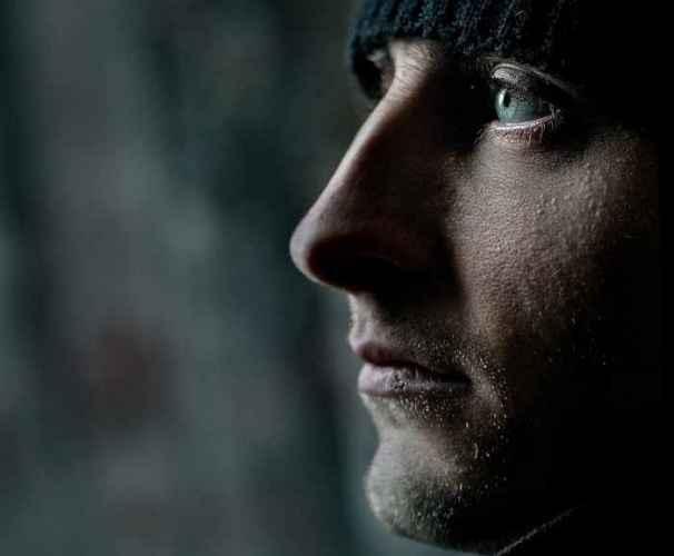 MED NA USNAMA, GORČINA U SRCU: 7 znakova da si u vezi s nasilnikom