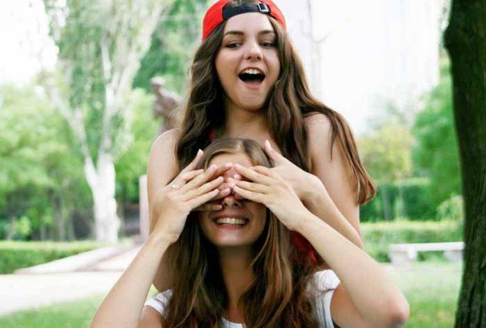 U našim srcima nema baš mnogo mesta za prijatelje: Ako mislite da ih imate više od 5, varate se!