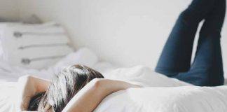 IPAK LEZITE LJUTI U KREVET: Ne morate svaku raspravu da završite pre spavanja. Evo zašto