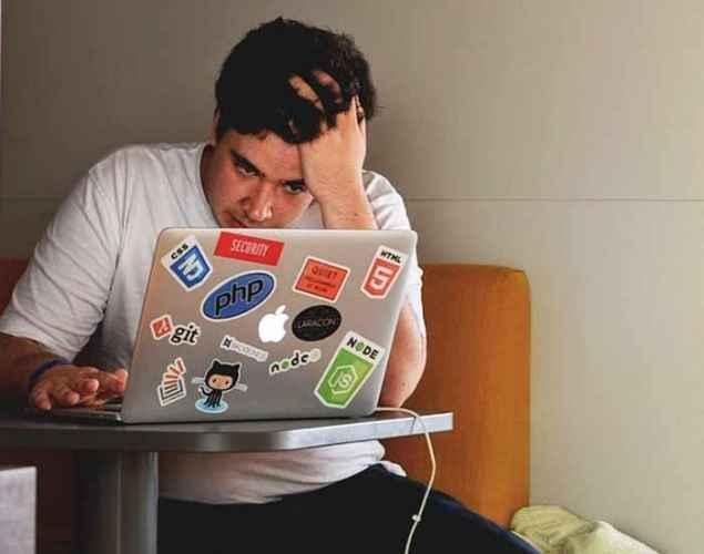 Pošalji mu ovu poruku i momentalno će ugasiti čet: Fraze koje najviše nerviraju pri muvanju na netu