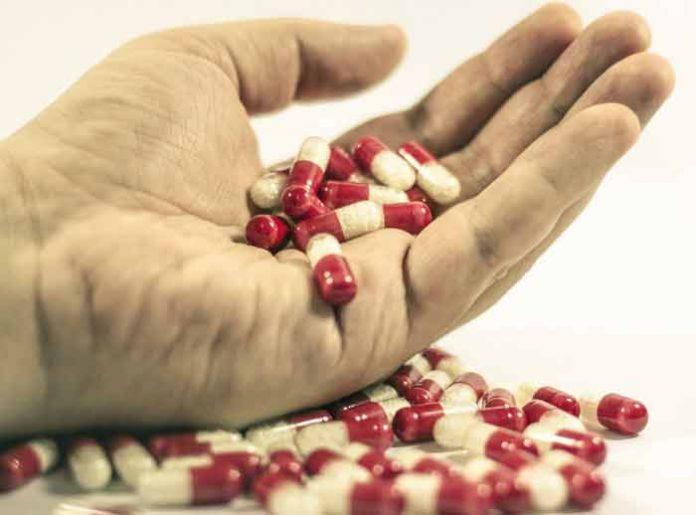 ZAŠTO SU LEKOVI ŠARENI: Zašto pilule imaju dve različite boje?