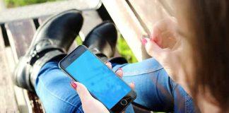 Držte mobilni u levoj ruci? Odmah prestanite! Evo zbog čega