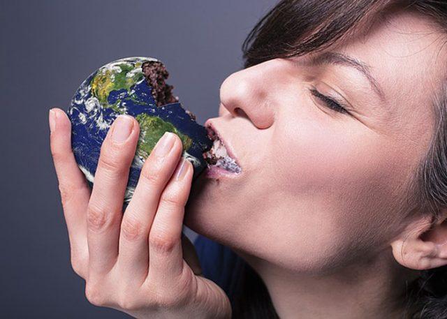 ishrana, kolač, jede, gladna, dijeta, foto pixabay