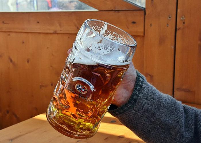 navalite-na-pivo-ako-pijete-pola-litra-na-dan-evo-sta-ce-se-desiti-u-vasem-telu