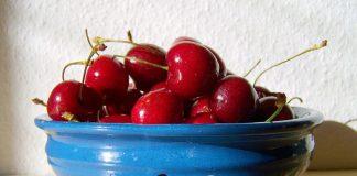 tri-recepta-sa-visnjama-da-li-ste-za-pitu-knedle-ili-baklavu pixabay