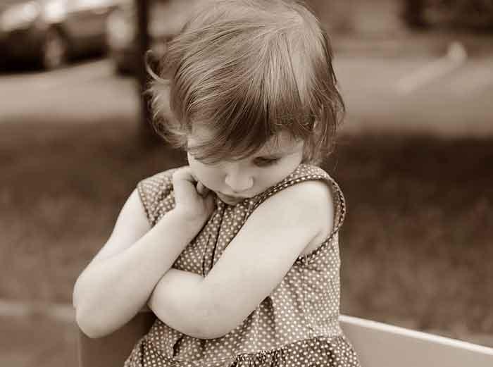 ZAŠTO DETE BOLI STOMAK: Bolovi u stomaku kod dece - šta ih uzrokuje i kada dete mora hitno kod lekara