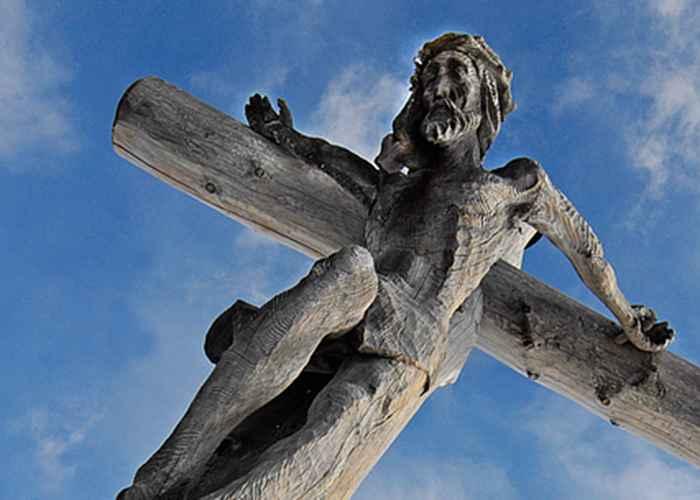 razbojnikov-krst-hristov-krst-koji-od-ta-dva-nosite-na-svojim-plecima isus