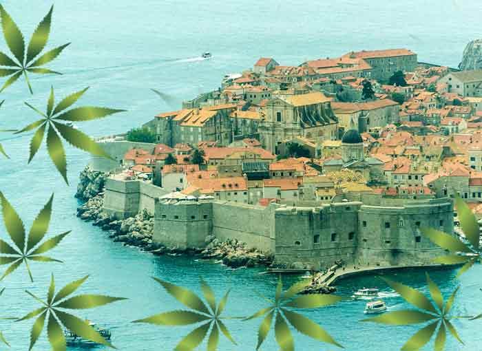 Ko je otišao u Grčku, zeznuo se: Obalom oko Dubrovnika plutaju paketi marihuane!