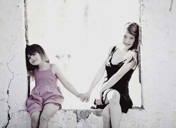 MLAĐA SESTRA JE NAJVEĆI BLAGOSLOV: 11 divnih načina na koje sestrica menja vas i vaš život