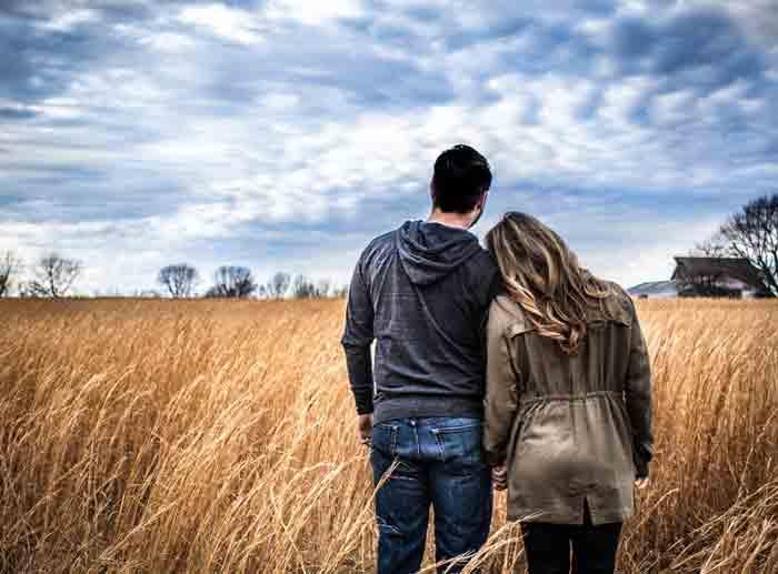 ZBOG OVOGA VERUJEŠ DA TE ON BEZGRANIČNO VOLI: Prvih 5 znakova bolesne vezanosti, manipulacije i zlostavljanja