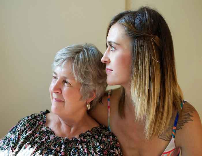 Kako da saznaš da li te njegova mama voli?