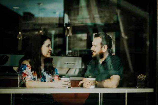 Postavi muškarcu ovih 5 pitanja na prvom sastanku i preokreni svoju lošu sreću