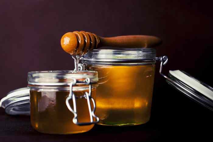 Prirodni lek protiv ćelavljenja: Maska od kvasca i meda protiv opadanja kose (recept za prirodni lek)