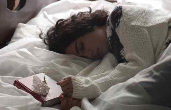 EVO ŠTA TELO POKUŠAVA DA TI PORUČI KAD SANJAŠ STRAŠNE STVARI: 5 najčešćih noćnih mora