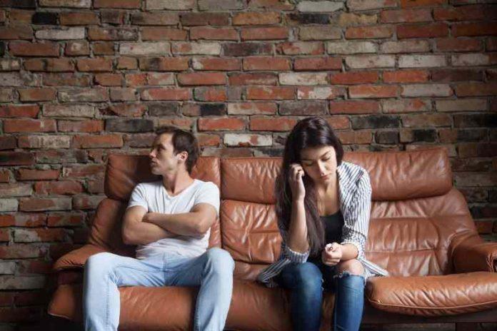 Ostavi ga na finjaka: Najbolji saveti kako da raskineš sa dečkom a da mu ne slomiš srce
