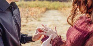 """Simbol ljubavi i početak pripreme za sudbonosno """"da"""": Saznaj šta verenički prsten koji ti je odabrao govori o tvom muškarcu"""