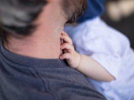 Sad će i njih početi da pitaju kad misle da se ostvare u ulozi oca: Stručnjaci tvrde, i muškarcima otkucava biološki sat
