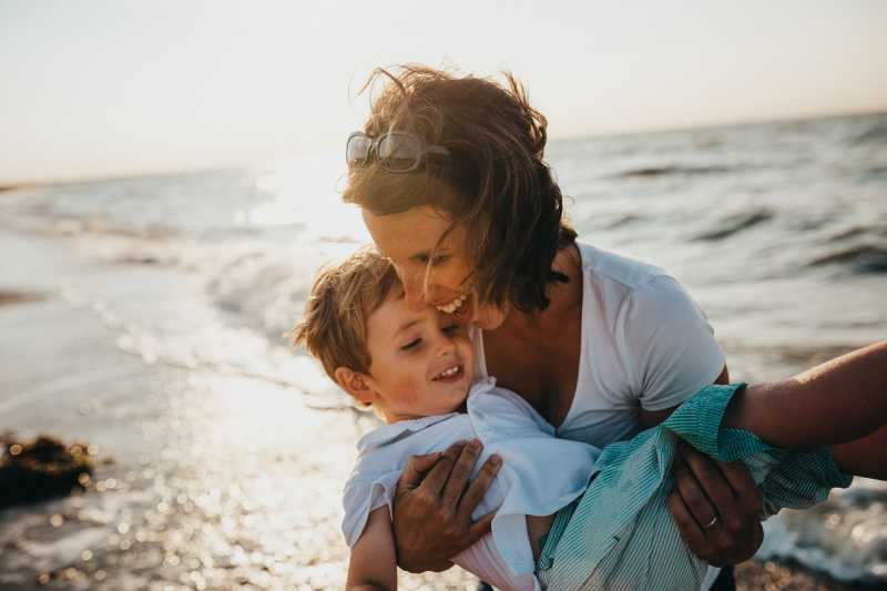 Svi problemi sa suprotnim polom vuku korene iz detinjstva: Ovako vam odnos sa roditeljima uništava ljubavni život