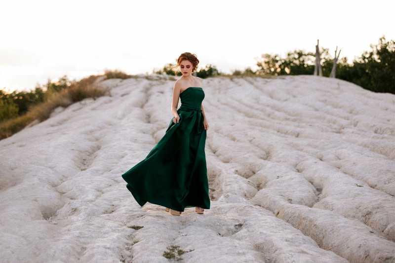 Skrivena moć odevnih komada: Ovo svaka žena mora da zna zbog čega je bitno da nosi suknje i haljine