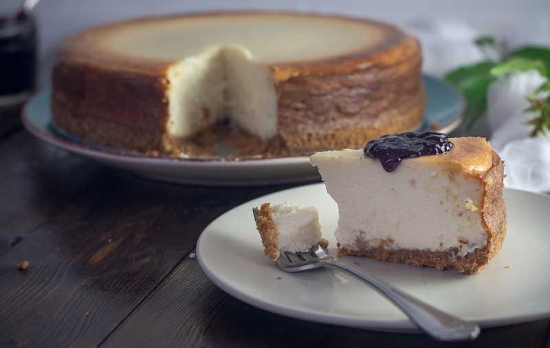 Recept za čizkejk sa orašastim plodovima: Desert koji osvaja na prvi zalogaj!