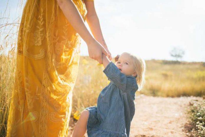 Uz njih rastu srećni mališani: Ovih 10 stvari dobar roditelj radi za svoje dete!